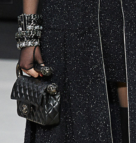 Chanel-Fall-Winter-2013-Collection-Classic-Flap-Bag-With-Metal-Handle+blog le chodraui