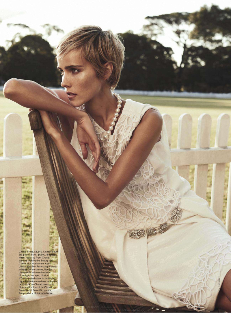 isabel-lucas-by-nicole-bentley-for-vogue-australia-december-2013-9