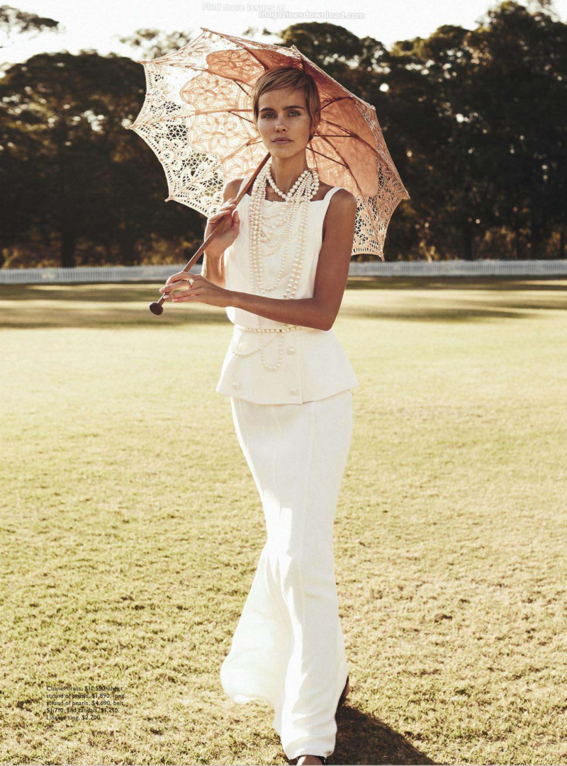 isabel-lucas-by-nicole-bentley-for-vogue-australia-december-2013