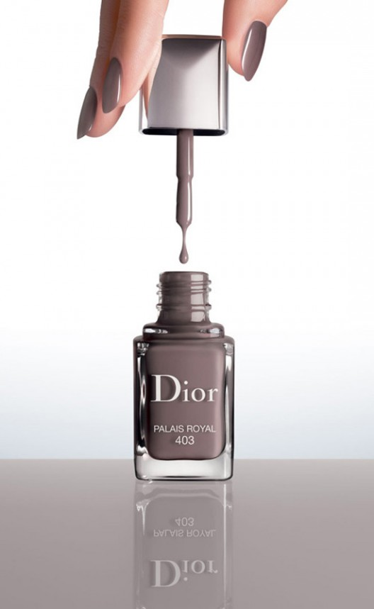 Diors-First-Vernis-Couture-Effet-Gel-le-chodraui