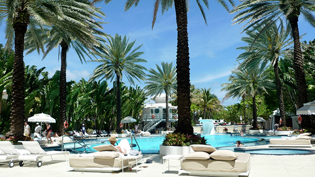 The-Raleigh-Hotel-in-Miami