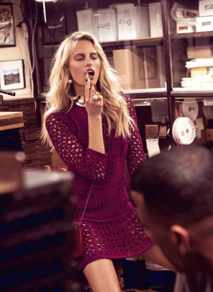 karolina-kurkova-by-koray-birand-for-vogue-mexico-april-2014-le-chodraui