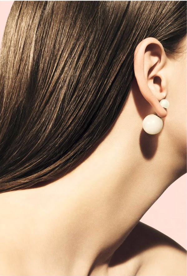 pearl- Christian-Dior-earrings
