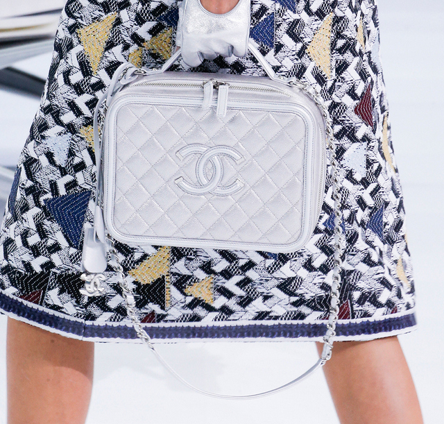 Chanel-Spring-2016-Bags-32