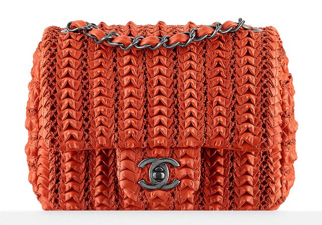 Bolsa-Chanel-Small-Lambskin-Embroidered-Flap-Bag-3200