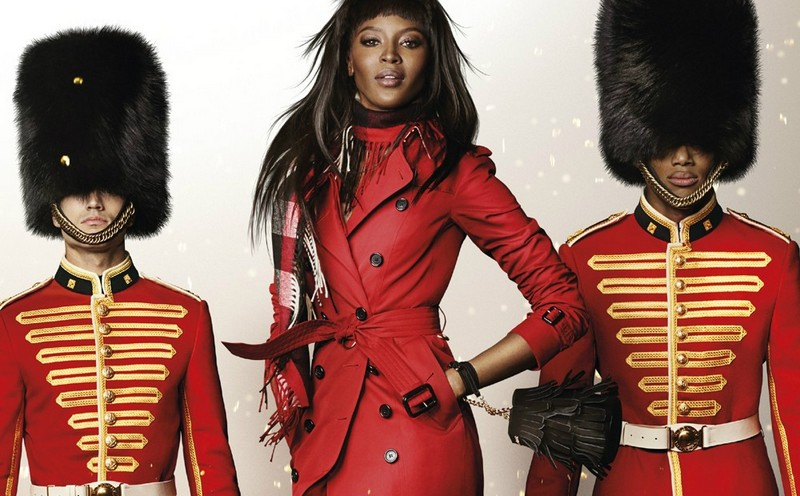 naomi_campbell_in_the_burberry_festive_campaign_shot_by_mario_testino